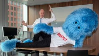 Foreign Minister Stef Blok with Brexit monster (official tweet)