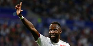 Juninho has told Manchester United and Juventus they will not sell Moussa Dembele