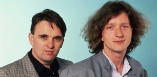 Glenn Tilbrook (right) and Chris Difford of Squeeze. Photo by Ebet Roberts/Redferns/Getty