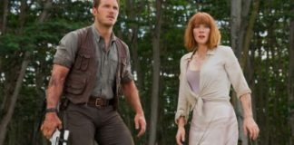Chris Pratt (L) and Bryce Dallas Howard (R) in