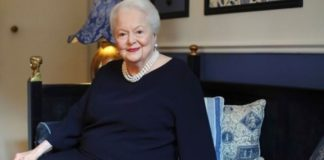 Olivia de Havilland died on Sunday in Paris at the age of 104. She was one of Hollywood