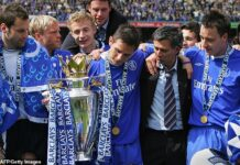 Jose Mourinho helped Chelsea pick up their first top-flight league title for 50 years in 2005