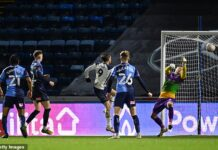 Gareth Bale played the full game and scored as Tottenham won 4-1 at Wycombe in the FA Cup