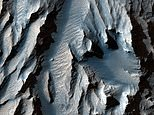 Mars's answer to the Grand Canyon probed by NASA
