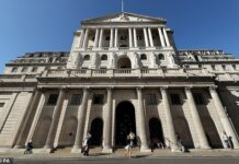 The Bank of England has been told it must seek to keep inflation below 2 per cent while taking account of plans to transition the UK to a zero-carbon economy by 2050
