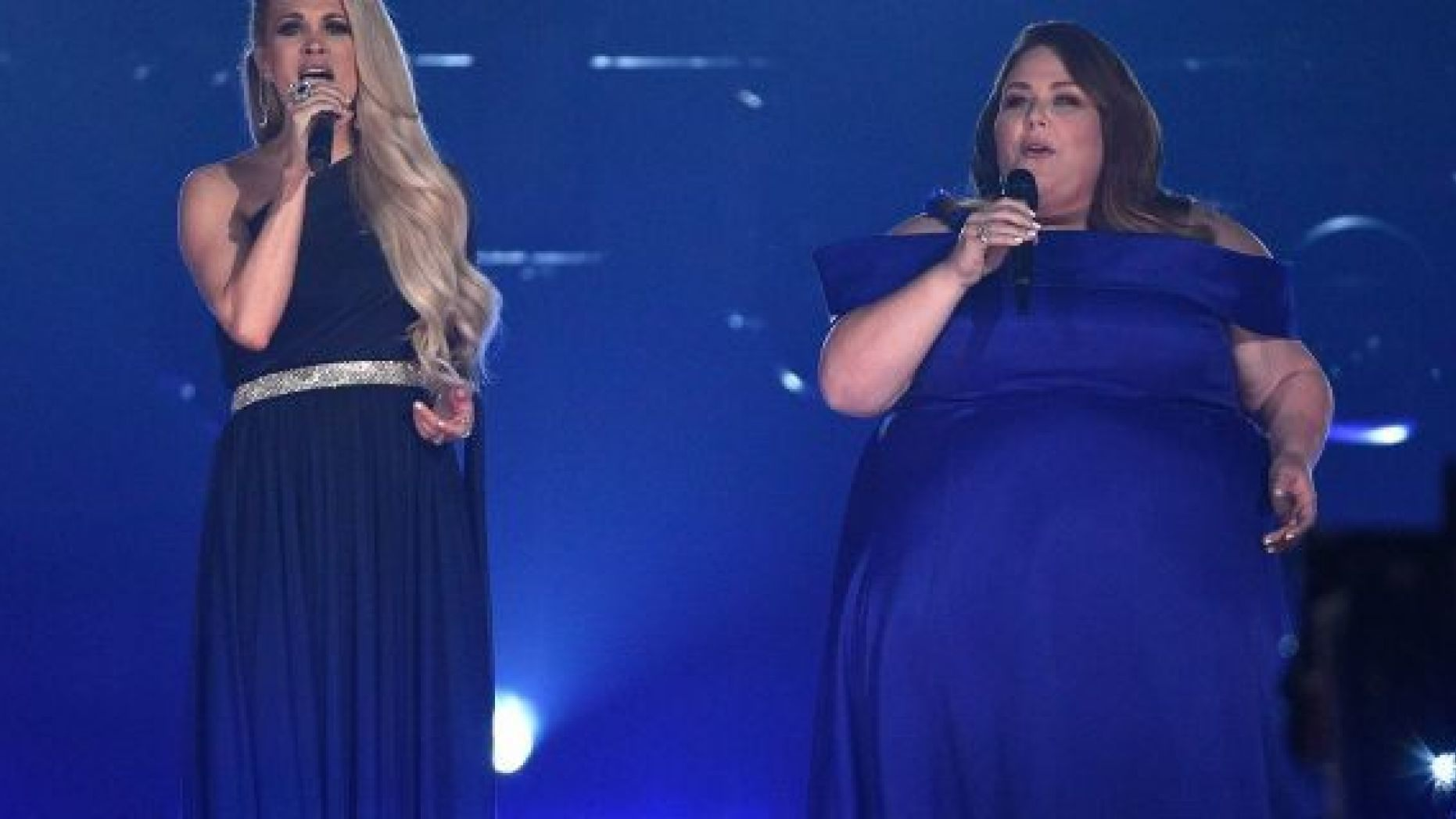 """Carrie Underwood, left, and Chrissy Metz perform """"I"""