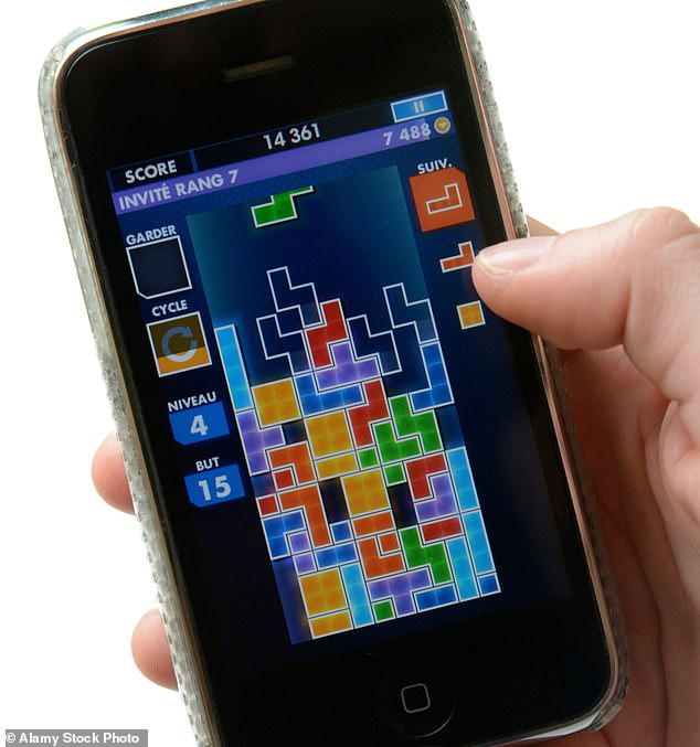 People who were asked to play 10 minutes of the wall-building game on their smartphones after work showed more signs of recovery from their day than those who did 10 minutes of mindfulness