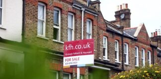 Rightmove said there was stronger growth in activity in the higher price bands, where buyers stand to make the biggest stamp duty savings.