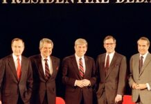 "In this Sunday, Feb. 14, 1988, file photo, Republican presidential candidates, Vice President George Bush, from left, Pat Robertson, Rep. Jack Kemp, Pierre ""Pete"" du Pont and Senator Bob Dole pose before starting their last debate before the primary in Goffstown, N.H. Pierre S. ""Pete"" du Pont IV, a former Delaware governor and congressman who sought the 1988 Republican presidential nomination, has died at age 86. Du Pont, a scion of the family that established the DuPont Co., died at his home in Wilmington, Del., on Saturday, May 8, 2021, after a long illness, his former chief of staff, Bob Perkins, said. (AP Photo/Jim Cole, File)"